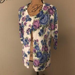 Flower print cardigan size large Laura Scott